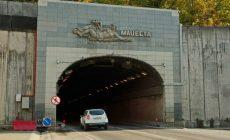 Отремонтировать трассу, ведущую к Сочи, в срок не успели